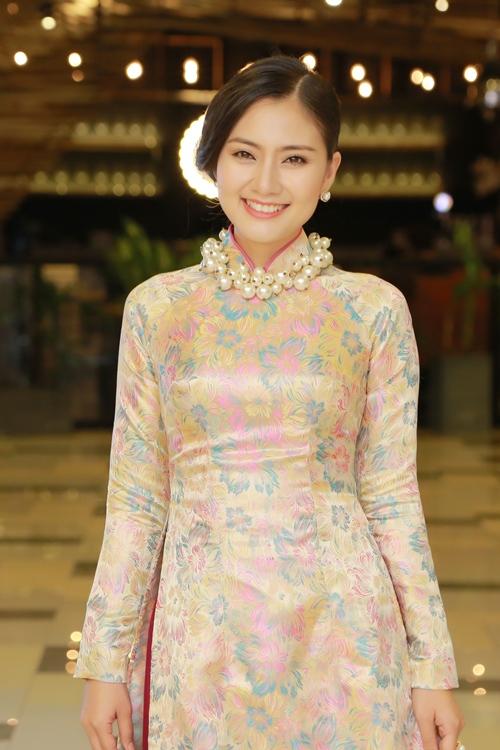 Trương Thị May diện đầm đen vẫn trẻ trung, nổi bật - 7