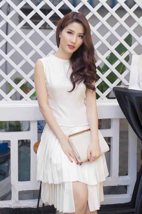 Lan Khuê diện váy lạ trước thềm Miss World 2015 - 5