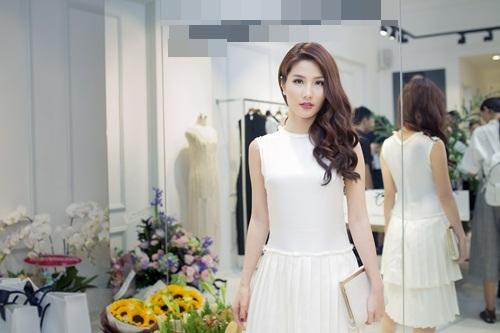 Lan Khuê diện váy lạ trước thềm Miss World 2015 - 4