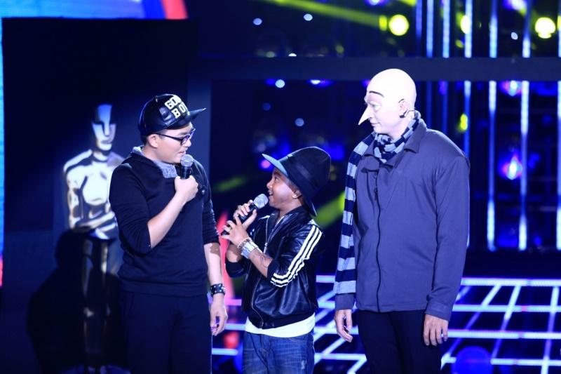 """Con trai Hoài Linh giành 100 triệu của """"Gương mặt thân quen nhí"""" - 3"""