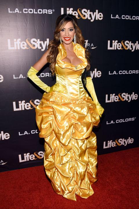 Chân dài 36 tuổi nổi nhất Halloween với váy mỏng tang - 6