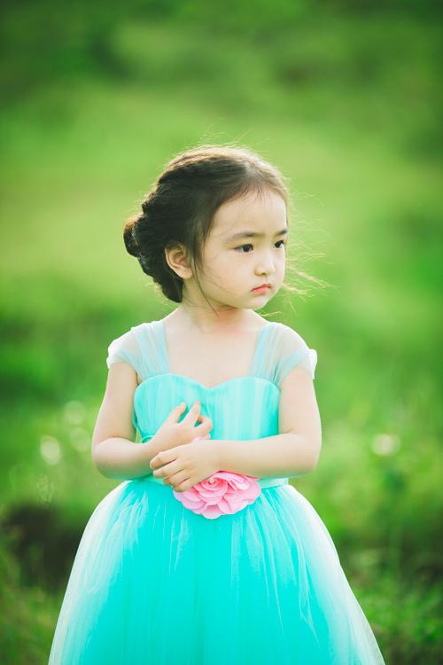 """Bé gái Lâm Đồng đẹp như thiên thần """"đốn tim"""" dân mạng - 2"""