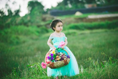 """Bé gái Lâm Đồng đẹp như thiên thần """"đốn tim"""" dân mạng - 6"""
