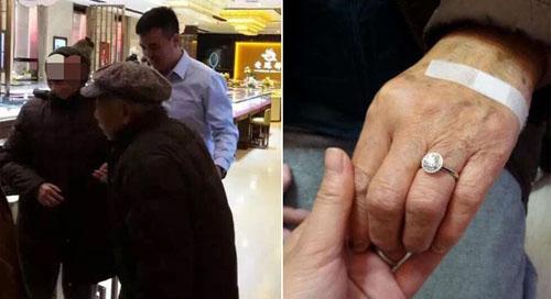 Cụ ông dùng tiền tiết kiệm mua nhẫn kim cương trăm triệu cho vợ - 1