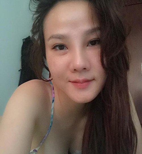 """Facebook sao hot 31/10: Bạn gái Quốc Cường """"đón bão"""" - 6"""