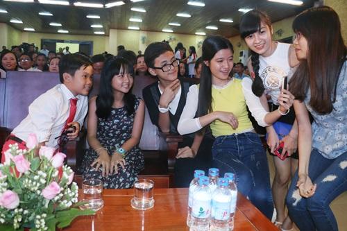 """Dàn sao nhí """"Hoa vàng, cỏ xanh"""" được chào đón ở Phú Yên - 4"""