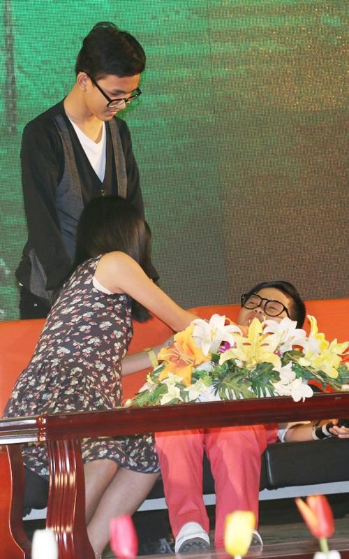"""Dàn sao nhí """"Hoa vàng, cỏ xanh"""" được chào đón ở Phú Yên - 12"""