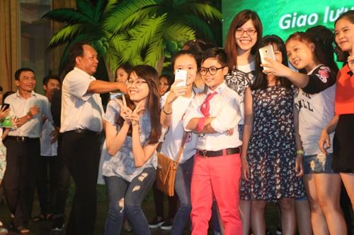 """Dàn sao nhí """"Hoa vàng, cỏ xanh"""" được chào đón ở Phú Yên - 14"""