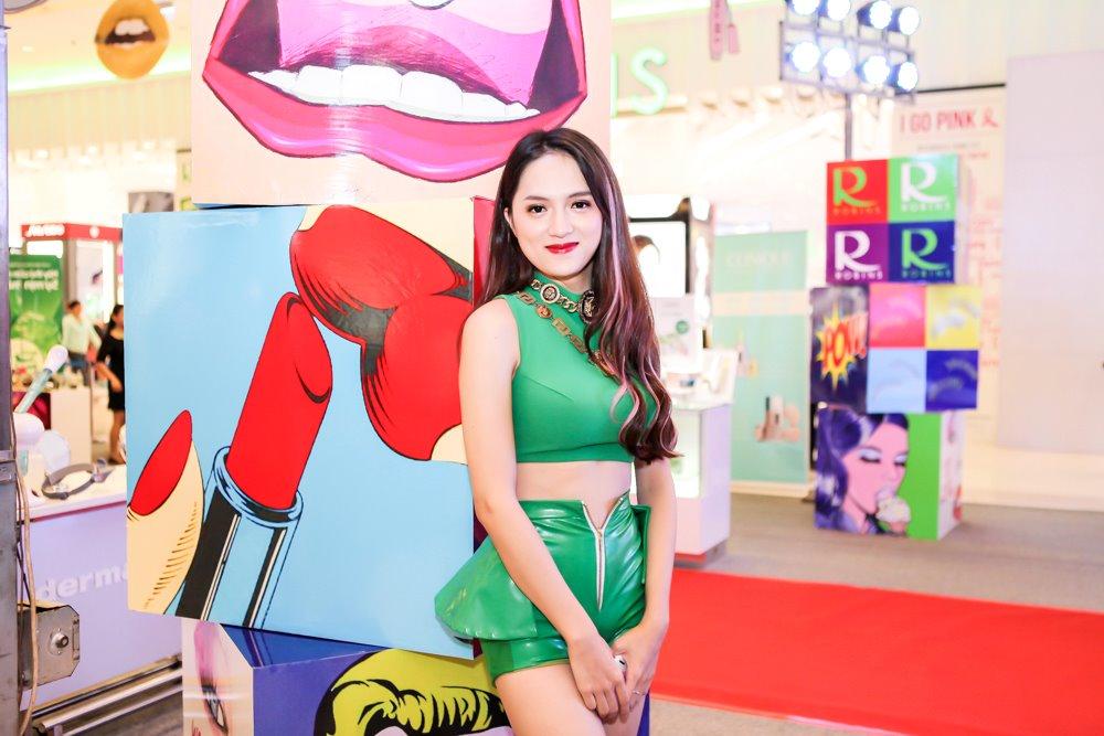 Hương Giang Idol mặc sexy hát hit của Phương Thanh - 1