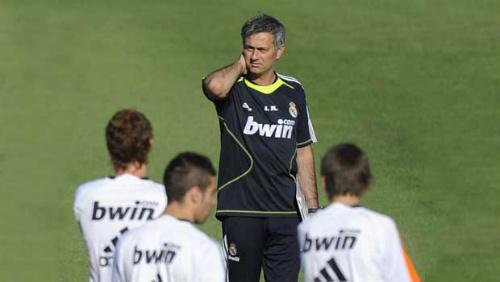 Tin HOT tối 31/10: Real muốn tái ngộ Mourinho - 1