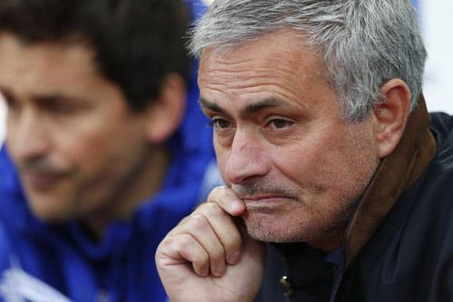 Chelsea sớm mở điểm, Mourinho vẫn mặt lạnh - 3