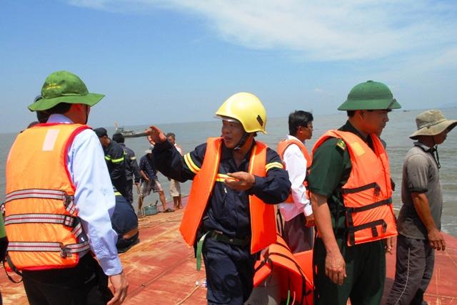 Toàn cảnh ngày đầu cứu hộ tàu hàng chìm ở Cần Giờ - 5