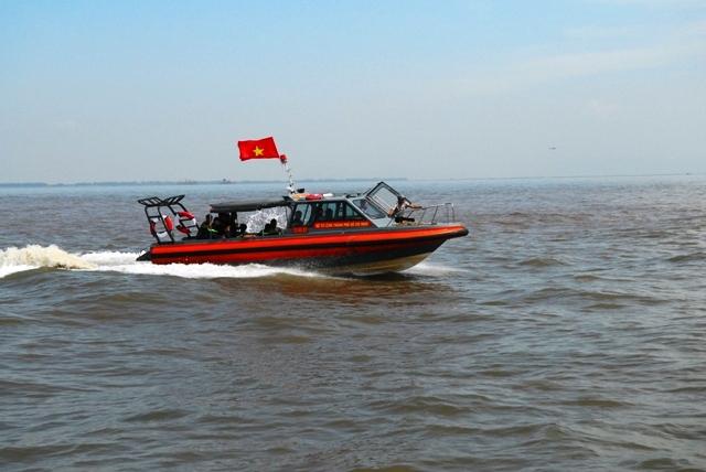 Toàn cảnh ngày đầu cứu hộ tàu hàng chìm ở Cần Giờ - 7