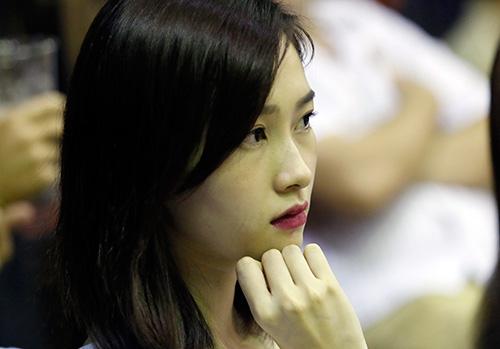 Hoa hậu, người đẹp say mê cổ vũ CLB bóng rổ số 1 VN - 10