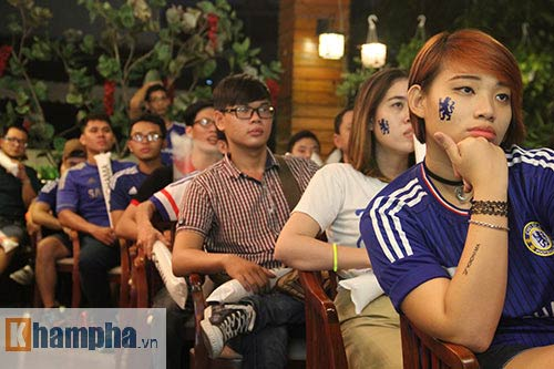 """Ghế Mourinho """"nóng hơn lửa"""", fan Chelsea đầy tâm trạng - 6"""