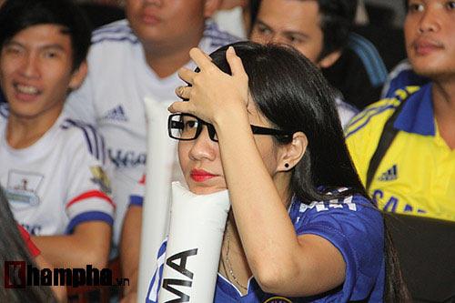 """Ghế Mourinho """"nóng hơn lửa"""", fan Chelsea đầy tâm trạng - 7"""