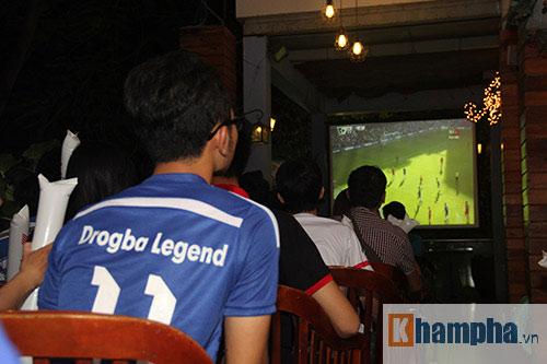 """Ghế Mourinho """"nóng hơn lửa"""", fan Chelsea đầy tâm trạng - 10"""