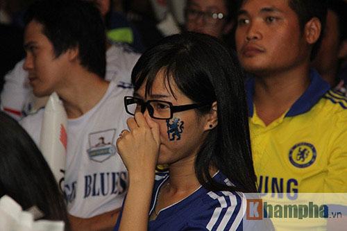 """Ghế Mourinho """"nóng hơn lửa"""", fan Chelsea đầy tâm trạng - 13"""