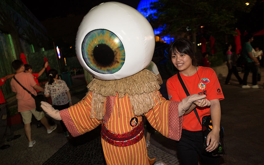 Không khí ma quái trong lễ hội Halloween trên khắp TG - 11