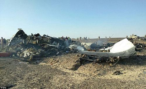 Hiện trường máy bay Nga chở 224 người rơi vỡ vụn - 5