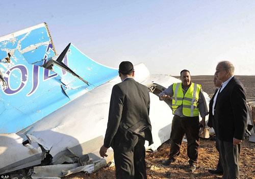 Hiện trường máy bay Nga chở 224 người rơi vỡ vụn - 7