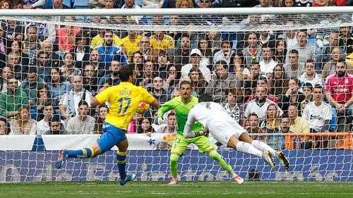 Ghi 1 bàn, Ronaldo thiết lập 3 kỷ lục - 1