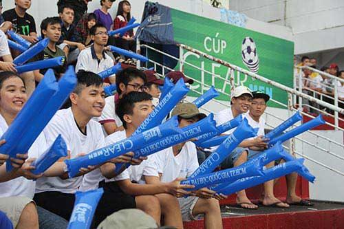 """Fan nữ xinh """"cuồng nhiệt"""" với trận CK U21 Clear Men Cup - 2"""