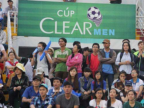"""Fan nữ xinh """"cuồng nhiệt"""" với trận CK U21 Clear Men Cup - 12"""