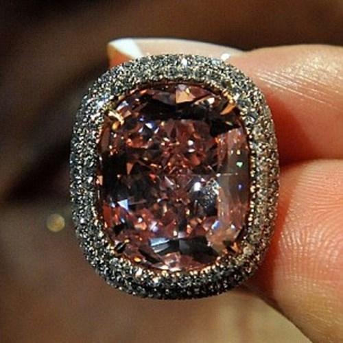 Nhìn gần viên kim cương được 'hét giá' hơn 500 tỷ đồng - 5