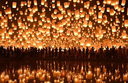 Lung linh lễ hội hoa đăng Loy Krathong ở Thái Lan - 2
