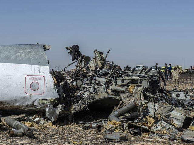 Máy bay Nga rơi: 2 thiếu nữ thoát nạn trong gang tấc - 3