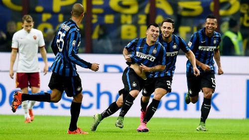 Tiêu điểm vòng 11 Serie A: Sao đổi ngôi - 1