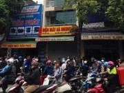 Video An ninh - Dân vây kín hiện trường vụ 4 người chết ở Thanh Hóa