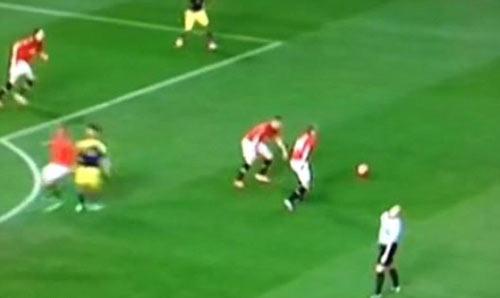 """Trọng tài tai tiếng """"ăn mừng"""" bàn thắng của Tottenham - 3"""
