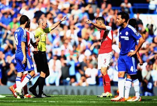 """Trọng tài tai tiếng """"ăn mừng"""" bàn thắng của Tottenham - 4"""