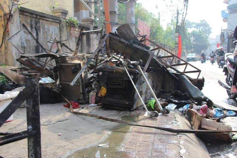 Hà Nội: Cháy cửa hàng, chủ nhà vẫn ngủ say trên tầng 2 - 8