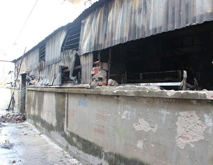 Hà Nội: Cháy cửa hàng, chủ nhà vẫn ngủ say trên tầng 2 - 9