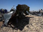 Thế giới - Mảnh vỡ khác thường tại hiện trường máy bay Nga rơi