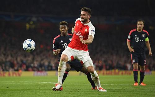 Arsenal tới Munich: Phòng ngự, bóng dài và Giroud - 2