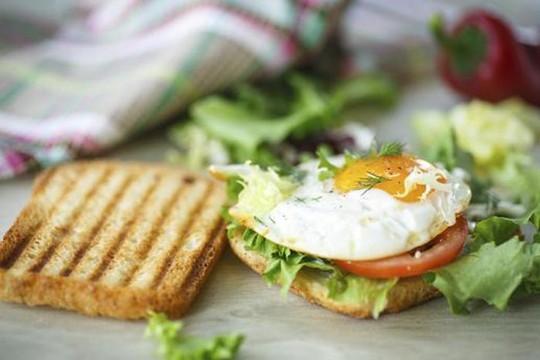 6 sai lầm thường gặp khi ăn sáng - 1