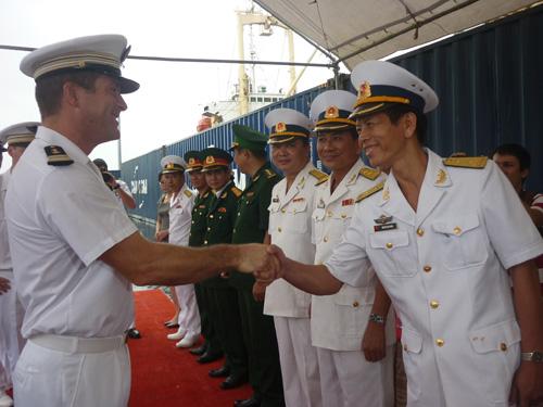Tàu tuần dương Hải quân Pháp cập cảng Đà Nẵng - 3