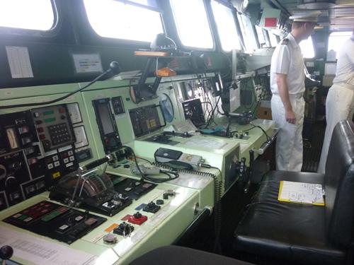 Cận cảnh tàu tuần dương Hải quân Pháp vừa đến Đà Nẵng - 7