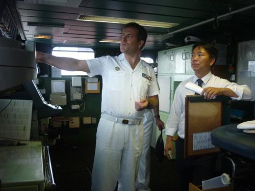 Cận cảnh tàu tuần dương Hải quân Pháp vừa đến Đà Nẵng - 8