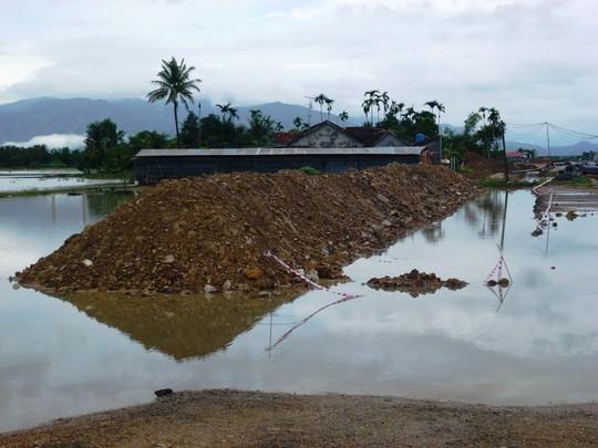 Mưa lớn ở Khánh Hòa, 6 người tử vong, 1 cầu bị sập - 1