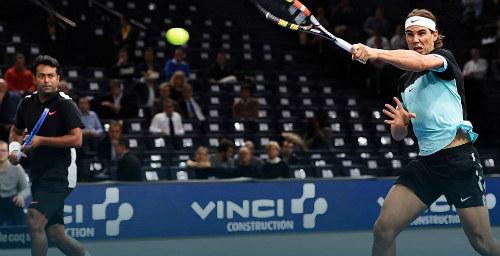 Tin thể thao HOT 4/11: Nadal sớm nhận nỗi buồn ở Paris - 1