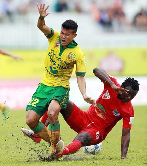 Bảo hiểm cho cầu thủ: Lỗi của nền bóng đá - 1