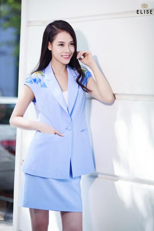 Quý cô Việt kiêu kỳ với sắc hoa trà đại đóa - 2