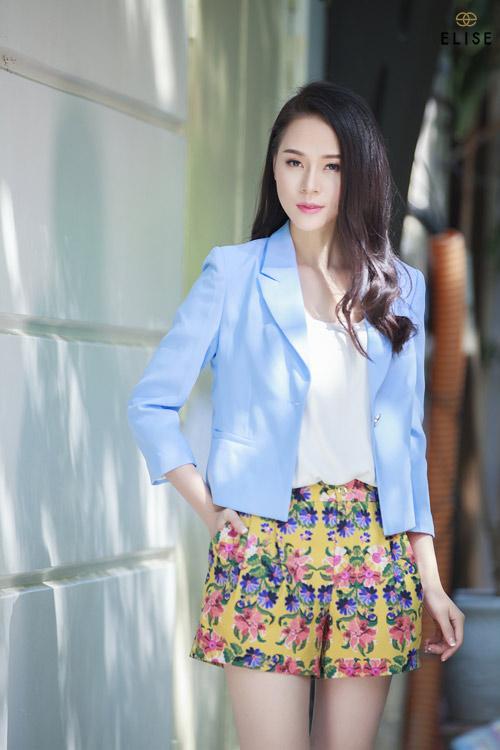 Quý cô Việt kiêu kỳ với sắc hoa trà đại đóa - 3