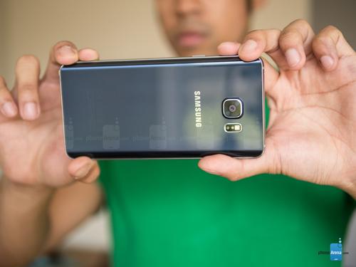 """Đánh giá chi tiết Samsung Galaxy Note 5: Thay đổi để """"lột xác"""" - 7"""