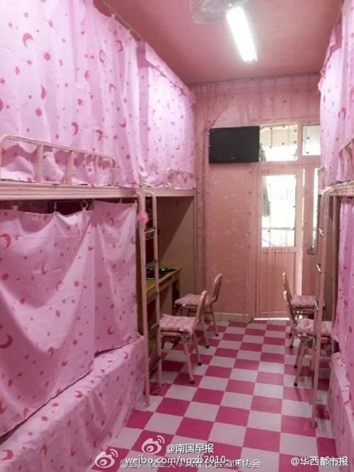 Phòng ký túc nam ngập tràn sắc hồng như công chúa - 3